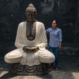 giant sitting buddha