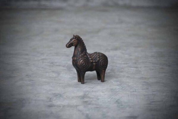 Hindu horse