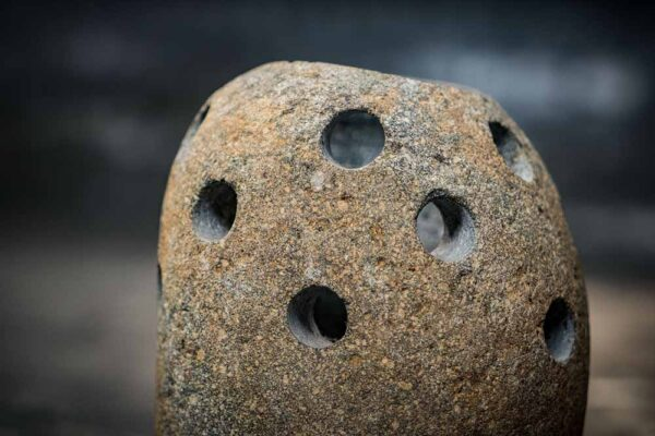 River stone candle holder bee details front